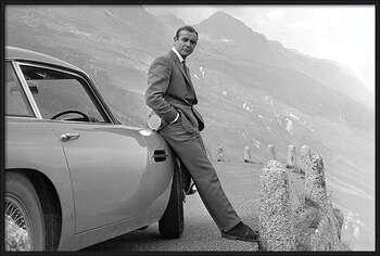 Framed Poster James Bond - Connery & Aston Martin
